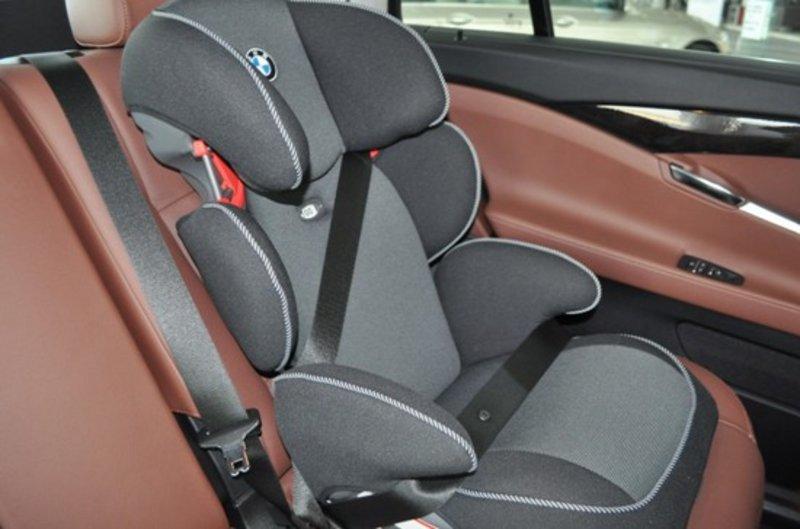 购全新BMW 3系 赠送BMW儿童安全座椅高清图片