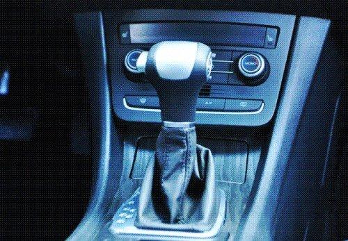 全新荣威550 TST变速箱-颠覆中级车标准 全新荣威550全方位解析高清图片