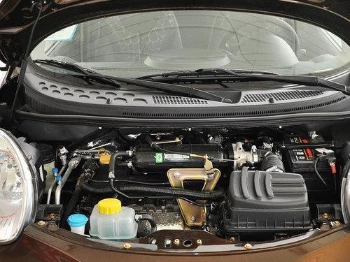 8l的发动机是奇瑞与avl公司合作研发的一款3缸双顶置凸轮轴12气门