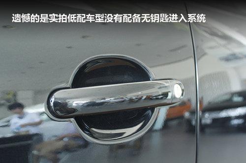 新款途观的外后视镜集成了转向灯,造型简单时尚.