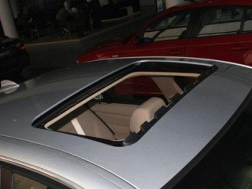 汽车天窗排水结构