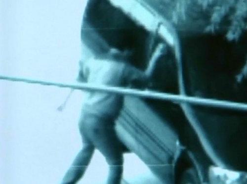 中福瑞达安全膜 时速120km/h玻璃砸不穿