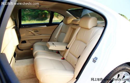 空间有优势8月中大型车销量榜冠亚军:宝马5系