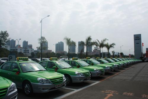 现代名驭双燃料出租车珠海交付运营