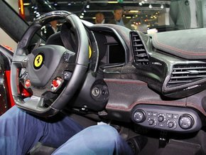 法拉利458内饰空间高清图片