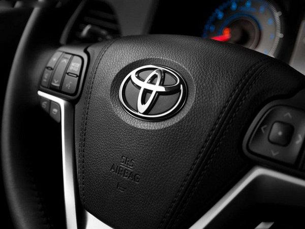 其他方面:2016款丰田塞纳仍将会搭载一台3.5升V6发动机,与发动机匹配的将是一台6速手自一体变速箱。塞纳宽敞舒适后座空间,配上该车安全稳定的行驶系统,保证途中也能舒适地谈上生意。这个价位的MPV,丰田塞纳的发动机可以说是无可匹敌了。【网上车市 天津滨海行情.原创】