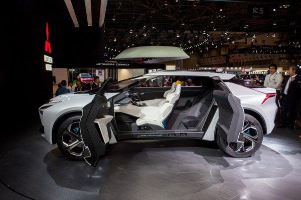 东京车展火热开幕,三菱汽车发布全球品牌战略及新款纯电动概念SUV——e-Evolution-图8
