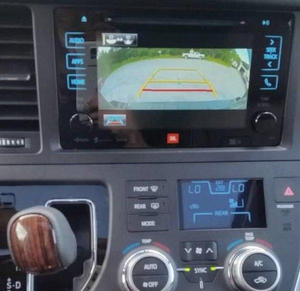 17款丰田塞纳报价 塞纳裸车带来全新震撼-图6