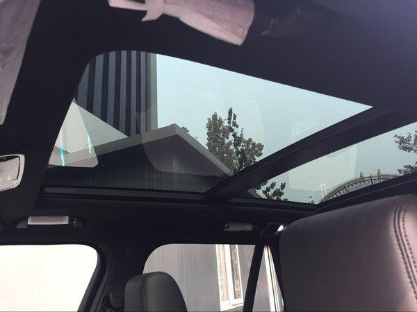 17款路虎揽胜行政创世加长 SUV的美男子-图7