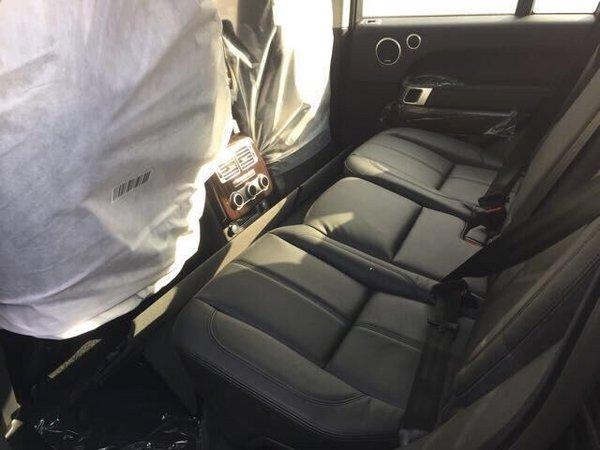 汽油版后排乘坐空间可以比肩飞机头等舱的车型不多