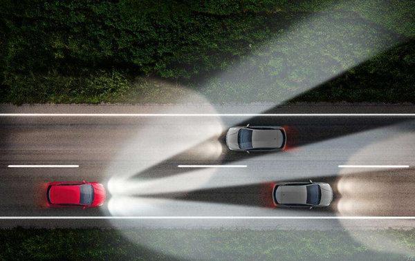 """""""灯""""峰造极,看汽车大灯技术的演进-图15"""