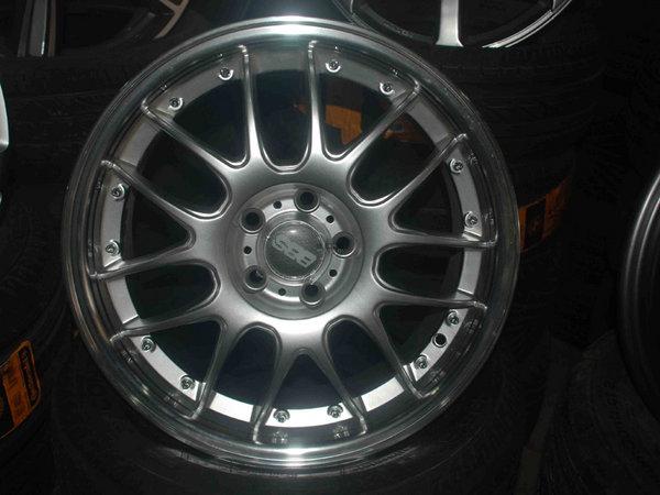 小轮胎大门道 汽车轮胎改装不当很危险_维修保养-网上车市