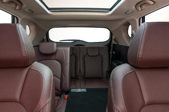 家用大SUV宝骏560自动挡/7座版火热上市-图7
