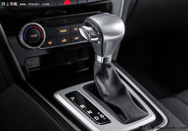 猎豹CS10采用横置前驱湿式双离合器六挡自动变速器,其结构以手动变速器主体结构为基础、配以电子控制单元(TCU)和换档执行单元(换档执行阀总成)的新一代变速器。性能稳定,动力输出平顺,改善尾气排放,解放左脚,乐趣驾控。EPB电子驻车带AUTO功能,相对于手动驻车制动杆,电子驻车通过坡度传感器由控制器给出准确的驻车力,在起动时,驻车控制单元通过离合器距离传感器,自动释放驻车制动,让汽车能够平稳起步。定速巡航,驾驶者按下速度开关之后,不踩油门踏板就自动地保持设定车速,使车辆以固定的速度行驶。高速公路长时间行