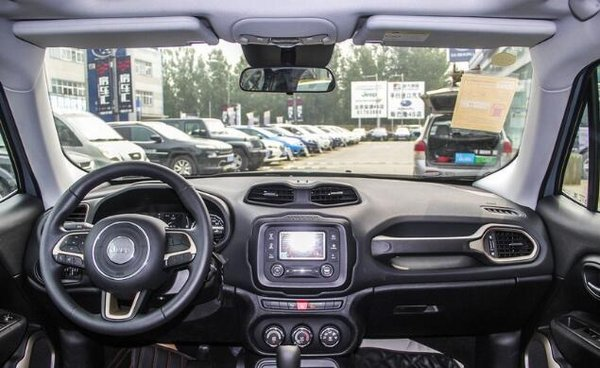 Jeep自由侠限时优惠1万 降价竞争-图2
