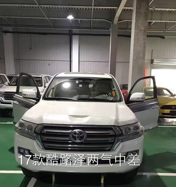 2017款丰田酷路泽4000 低降SUV陆巡纵享高清图片