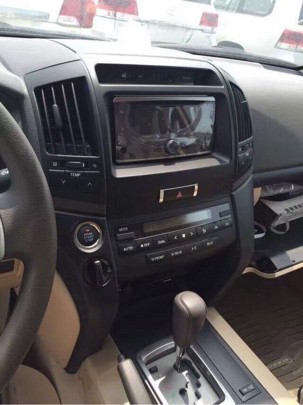 日产尼桑SUV途乐Y62车迷们的难得至爱高清图片