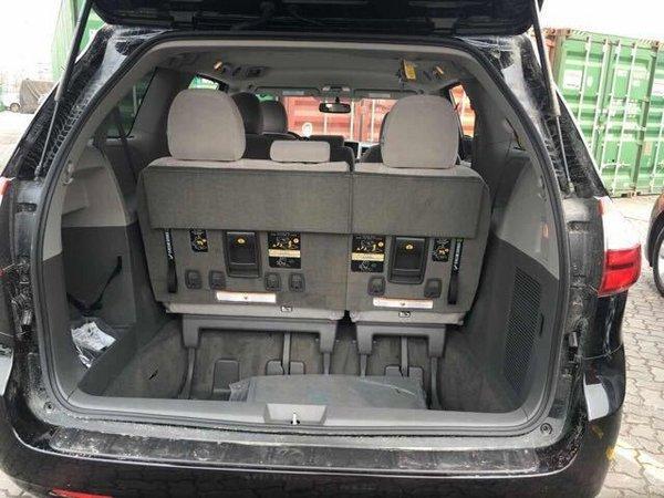 2017款丰田塞纳商务车 花式改装更加舒适-图9