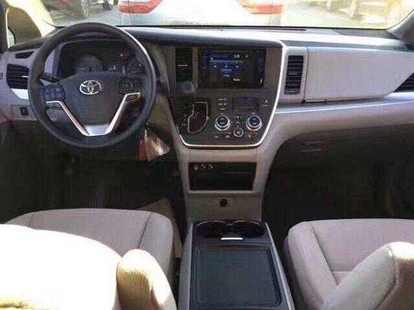 2017款丰田塞纳商务车 花式改装更加舒适-图6