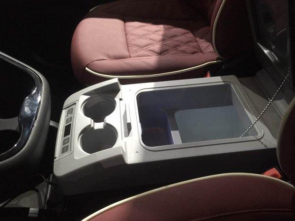 奔驰麦特斯商务首席 2.0T汽油版七座现车-图6