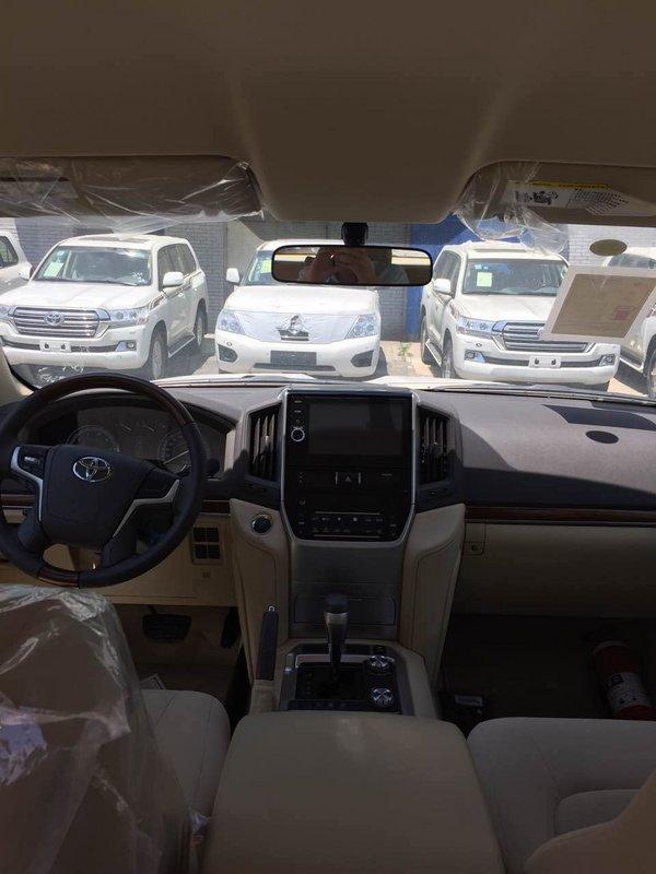 2017款丰田酷路泽4000 多功能全路况SUV-图7