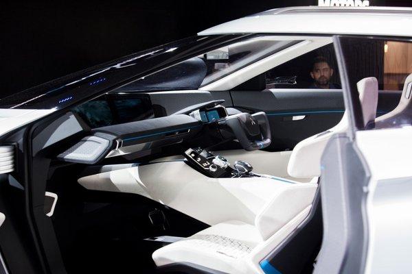东京车展火热开幕,三菱汽车发布全球品牌战略及新款纯电动概念SUV——e-Evolution-图9