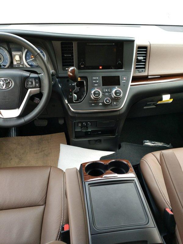 17款丰田塞纳3.5两驱LTD 7座顶配58.5万-图6
