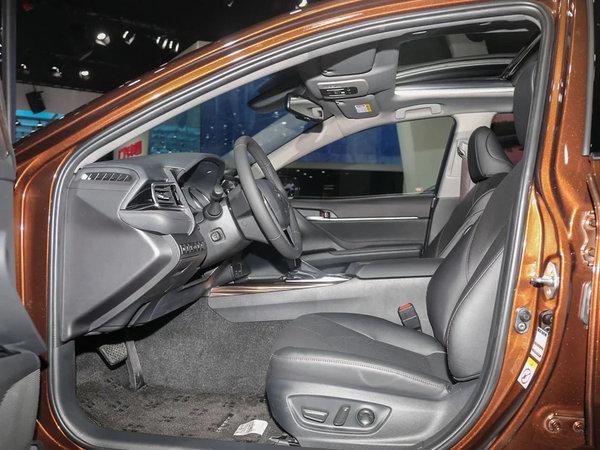 舒适与操控可以兼得 第八代凯美瑞对比新迈腾-图20