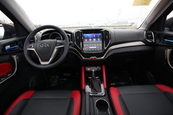 瞄准10万元级SUV市场的长安CX70 T-图6