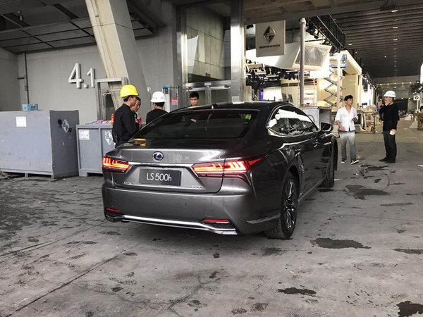 2017广州车展探馆 雷克萨斯全新LS系列亮相-图4