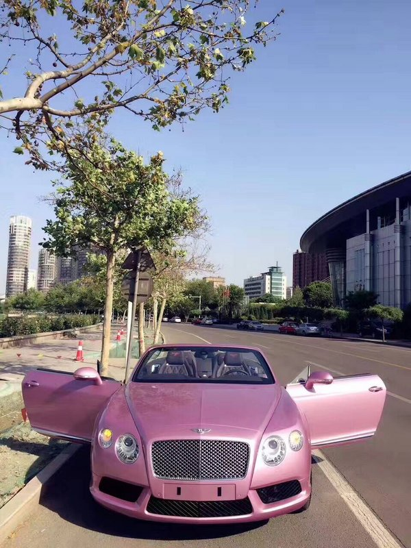 宾利GTC敞篷超跑 高级金属漆浪漫粉红色-图2