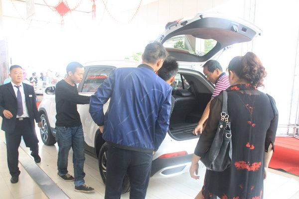 宝骏510自动挡昆明通合上市 6.88万起售-图8