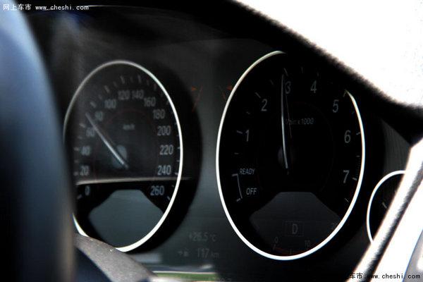 撩妹豁车趁年轻 试驾宝马328i M运动版-图14
