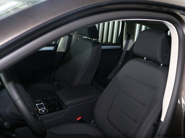 一场高品质的自驾游 70万能买的长途舒适的SUV-图7
