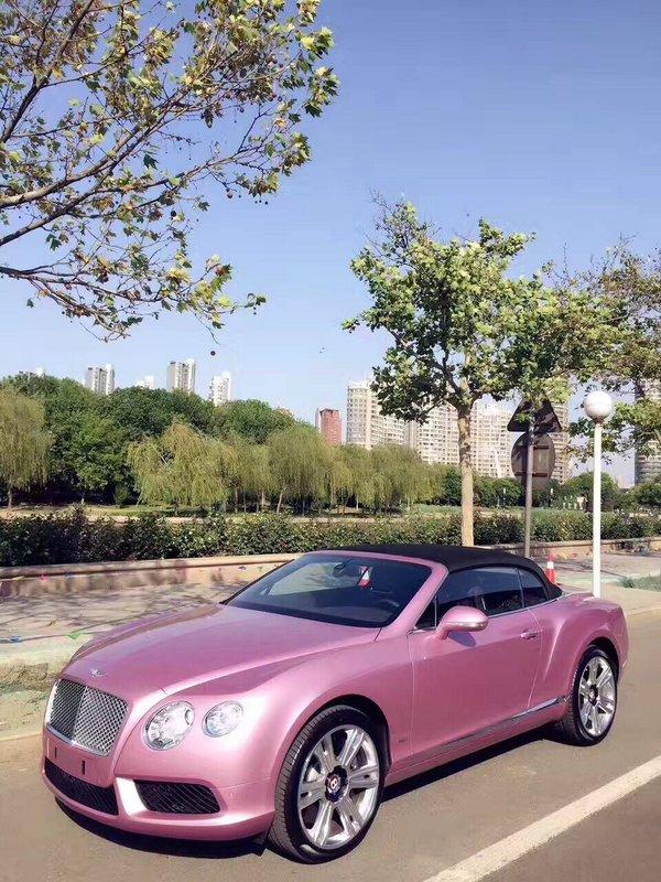 宾利GTC敞篷超跑 高级金属漆浪漫粉红色-图1