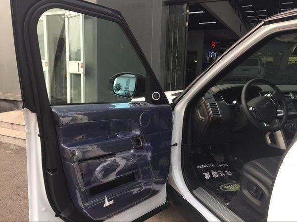 17款路虎揽胜行政创世加长 SUV的美男子-图6