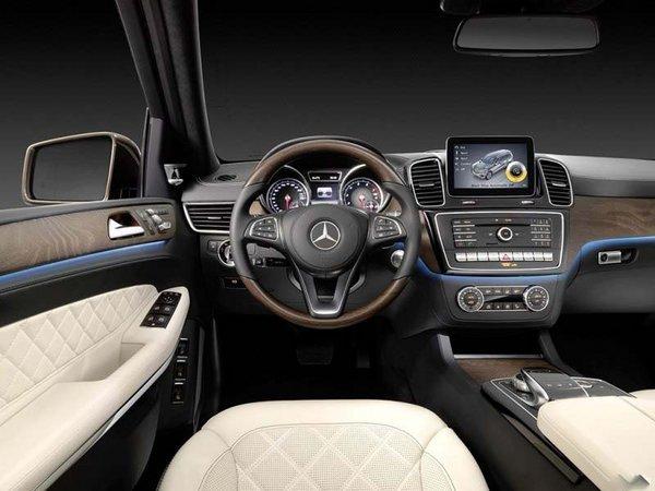 奔驰车价格与-17款奔驰GLS500特价奔驰与您端午节相约图片