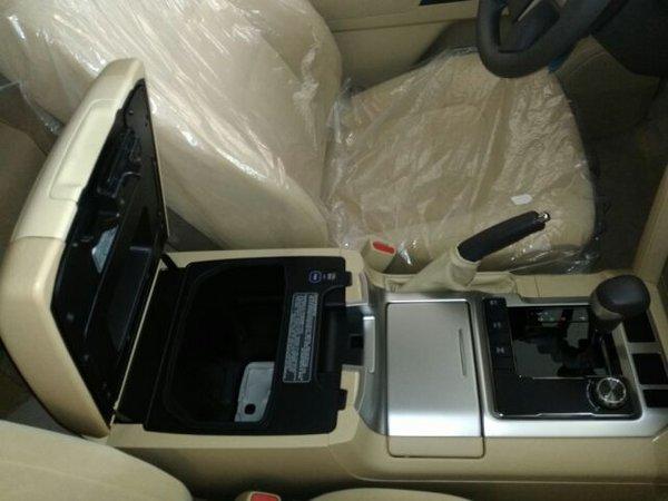 17款丰田酷路泽4000 畅销越野车V6全配置-图5