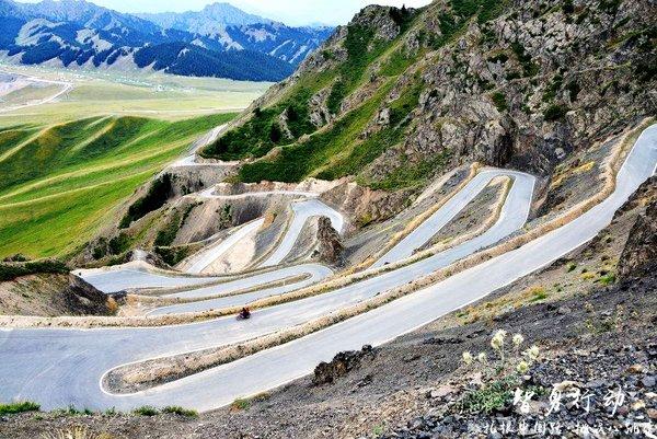 """没去过这些路你也能说喜欢自驾?——盘点中国十大""""最弯""""公路-图12"""