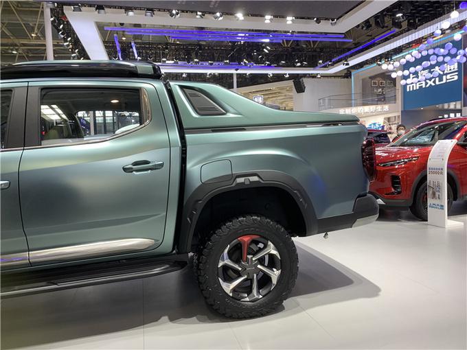 上汽皮卡NEW亮相北京车展科技化/双涡轮是亮点-图2