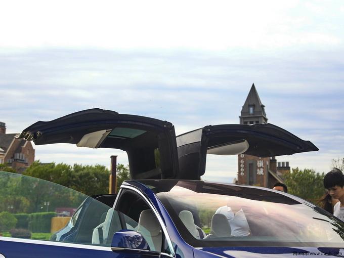 鸥翼门SUV MODEL X现车在售 竞争奥迪Q7-图2