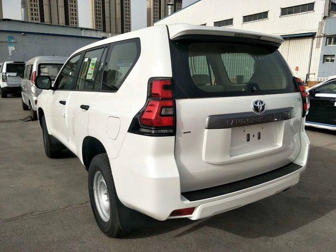 2018款丰田霸道2700中东版天津港价格最低手续齐全