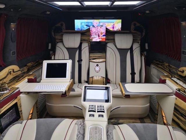 港口热荐奔驰V250改装版本 彰显豪贵气息-图8