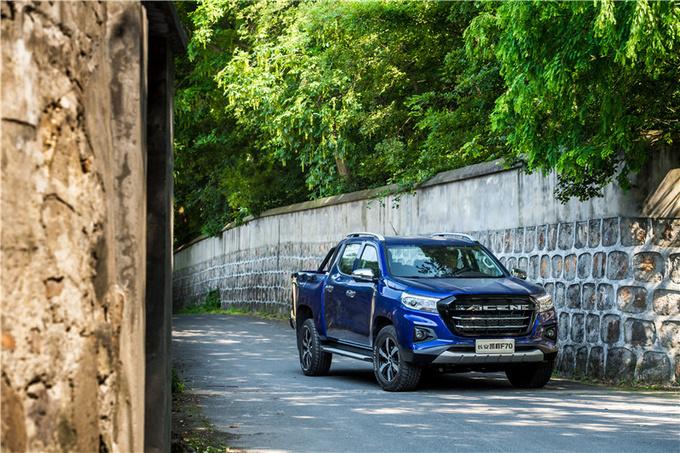 长安凯程F70首台量产车下线  中欧合作皮卡10月上市-图9