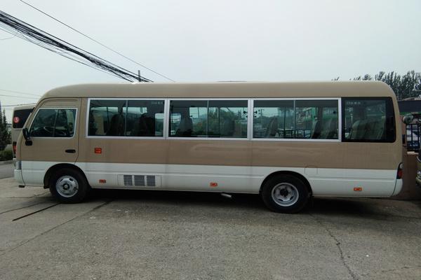 18丰田考斯特降价促销 豪华客舱全新改装-图4