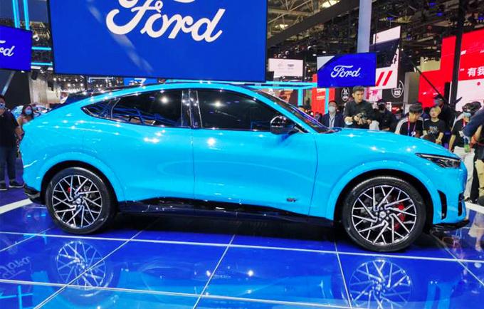 福特纯电动野马将国产 造型犀利/续航达600km-图2