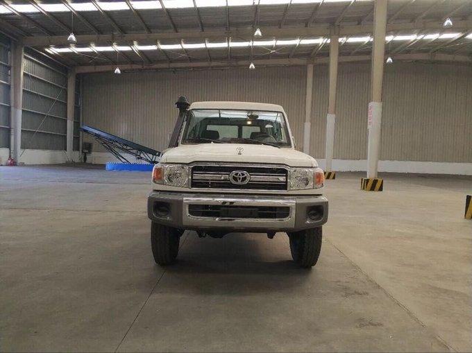 18款丰田LC79汽油4.0 现车到港优惠报价-图2