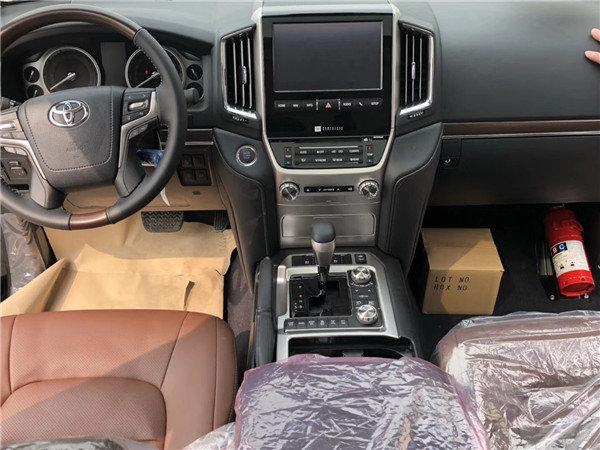 18款中东丰田酷路泽5700 VXS运动版顶配-图11
