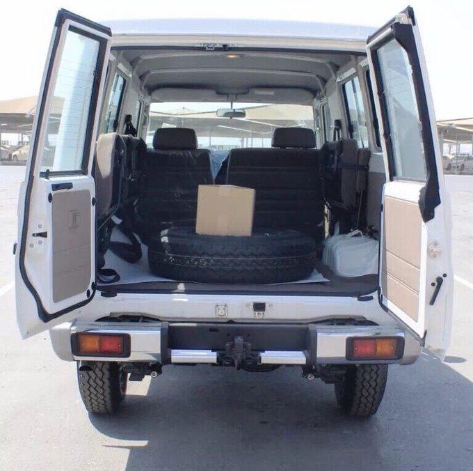 18款丰田LC79汽油4.0 现车到港优惠报价-图7