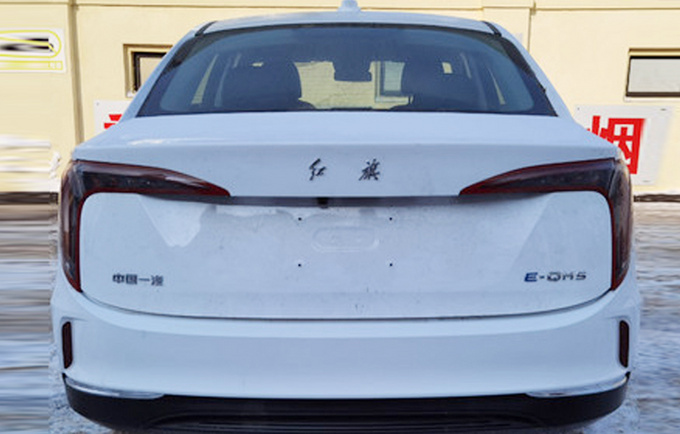 红旗全新纯电动轿车曝光采用比亚迪刀片电池-图2
